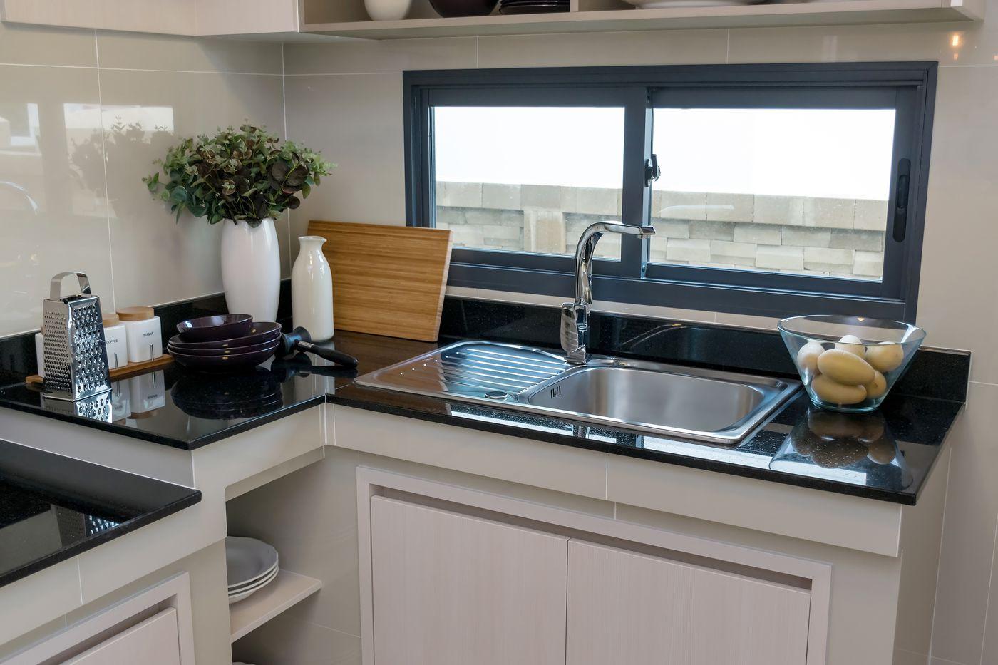 Kuchy sk desky z p rodn ho kamene for Recubrimiento para azulejos